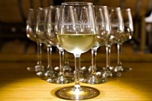 Triangular arrangement of wineglasses